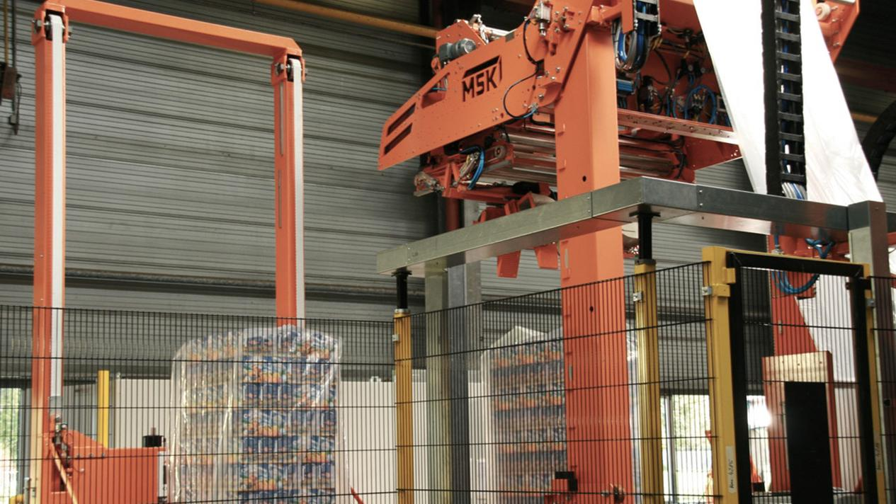 Picture of the MSK packaging solutions for beverage pallets - MSK Multitech Pallet Shrinkers