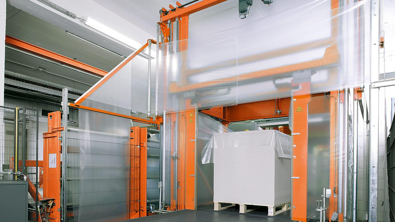 Picture MSK Flowtech - a highly flexible shrink-film banding process for cost-effective pallet packaging with the least possible material consumption